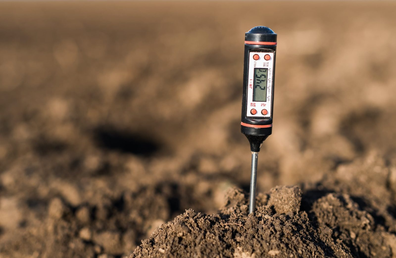 electronic soil tester stuck in garden soil