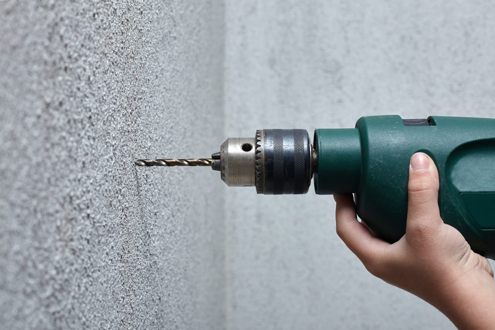 drlling into a wall with an sds hammer drill