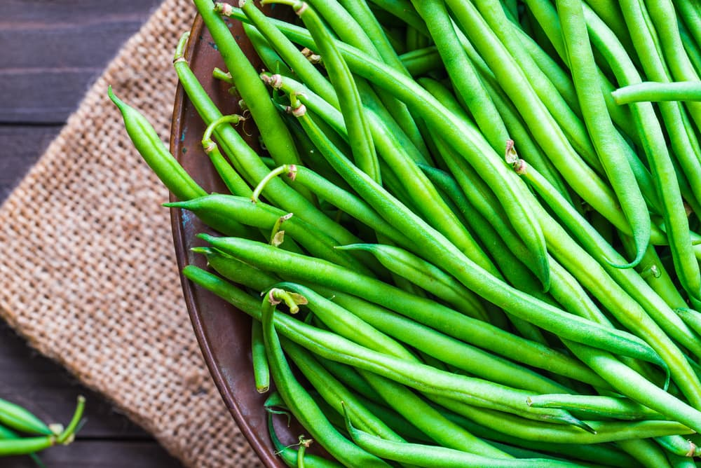 green string beans on a plate