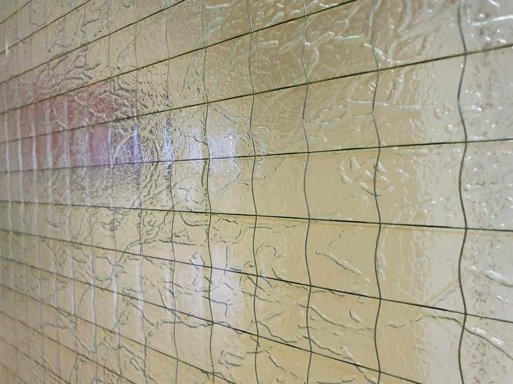 Plexiglas texture with wire mesh